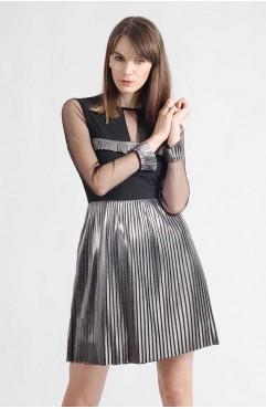 Rochie neagra Sabrina cu maneci din tul si pliseuri argintii