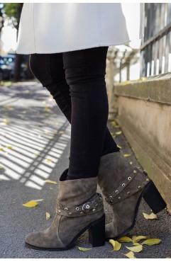 Dariela Boots