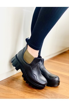Berna Black ankle boots