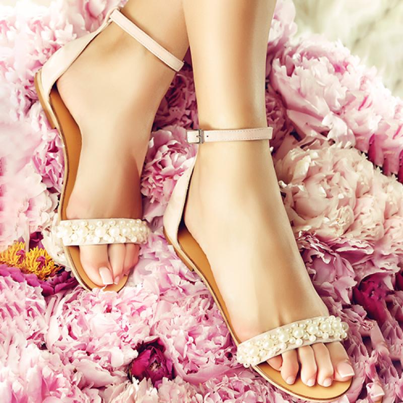 sandale cu perle elegante fara toc